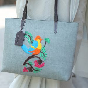 C:\Users\User\Desktop\ecstatic bags\Embroidery Handbags (Bird)